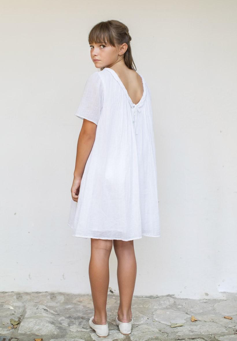 Robe blanche pour un look pour baptême ou au quotidien