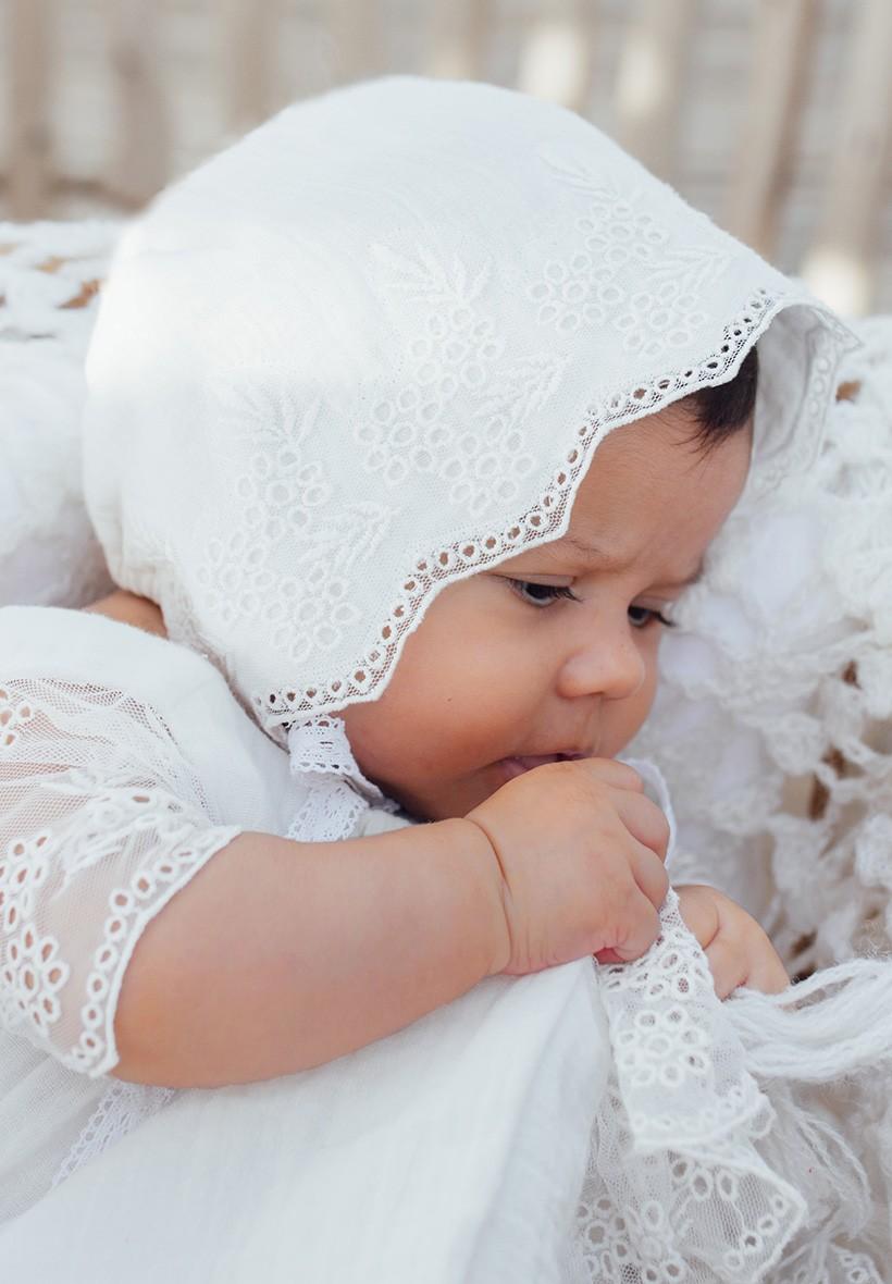 b99c71631f412 ... Bébé Filles Bonnet Rétro Beanie Chapeau Chapeau Nordique Vintage  Dentelle En Bas Âge Bonnet Enfants. Bonnet baptême hiver Bonnet baptême  hiver. Béguin ...